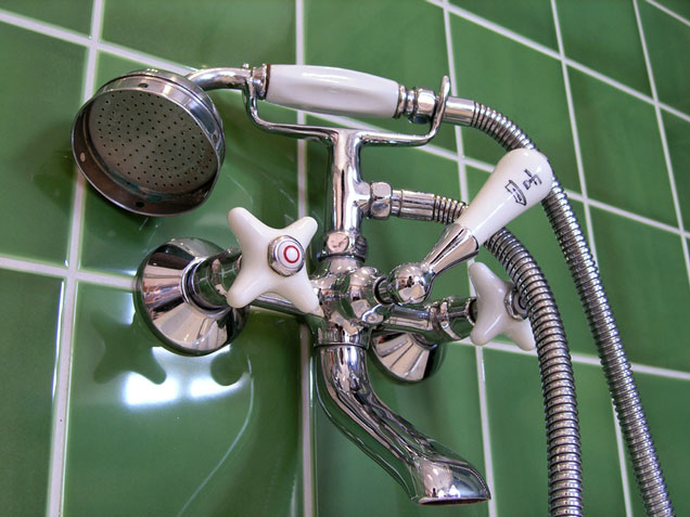 Shower Fittings Showerheads Faucets And Panels - Tub and shower faucet with handheld showerhead